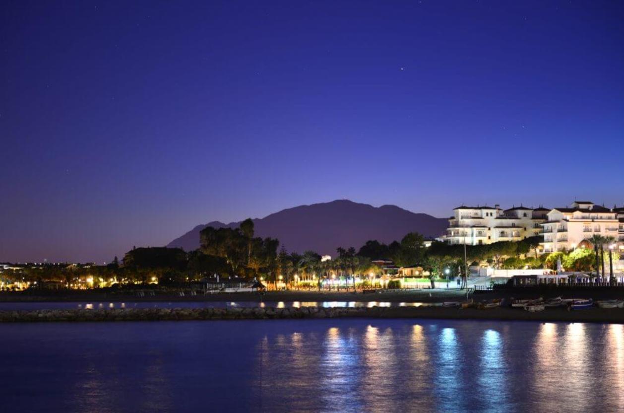 ¿qué hacer en puerto banús por la noche? 3