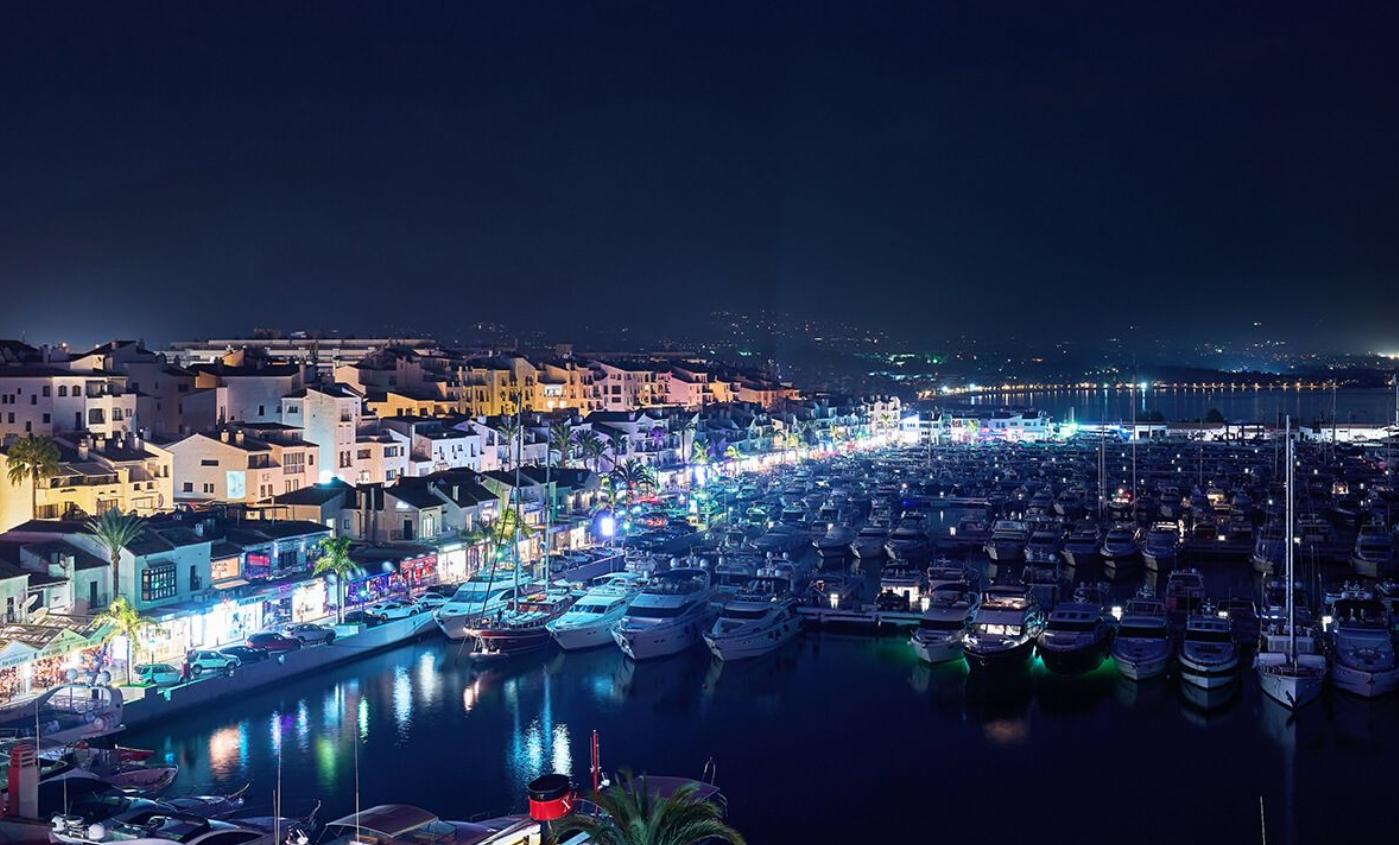 ¿qué hacer en puerto banús por la noche? 1