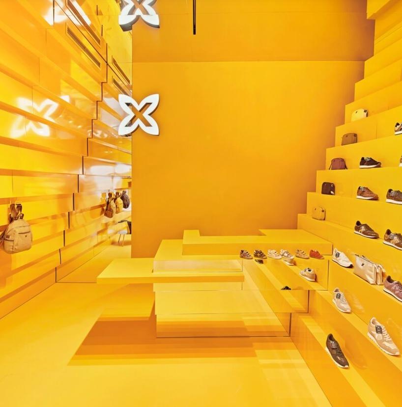 tienda munich en malaga: Studio animal comparte su llamativo diseño amarillo 7
