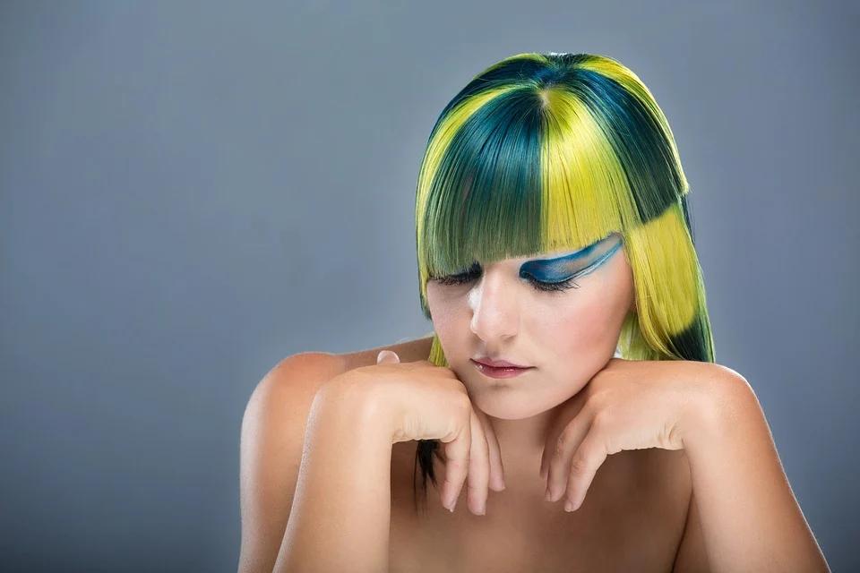 Descubre la formación del sector de la belleza que puedes realizar en la Costa del Sol 29
